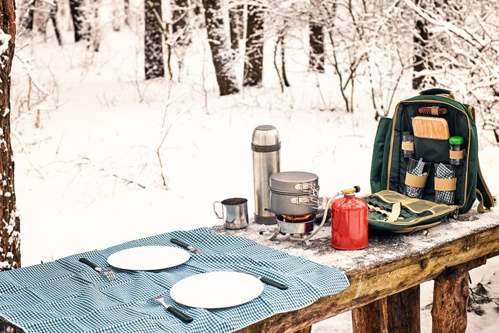 keep food cold while backpacking